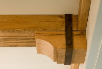 BRACKETS-CORBELS-AND-FINIALS14