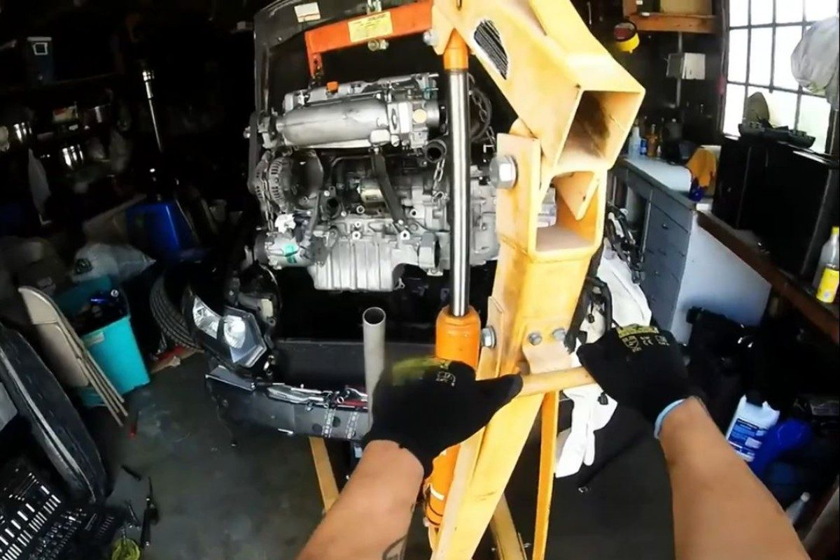 Engine Pulled from top - CammedCivicyoutube2_resized