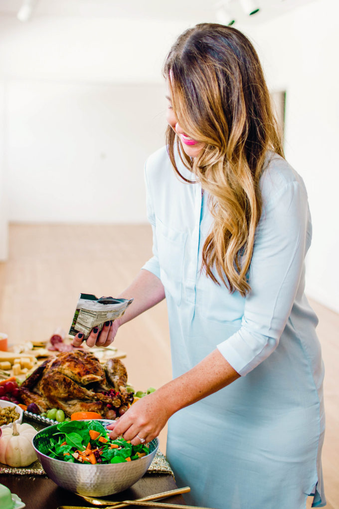 How to Throw A Friendsgiving Dinner In A Pinch