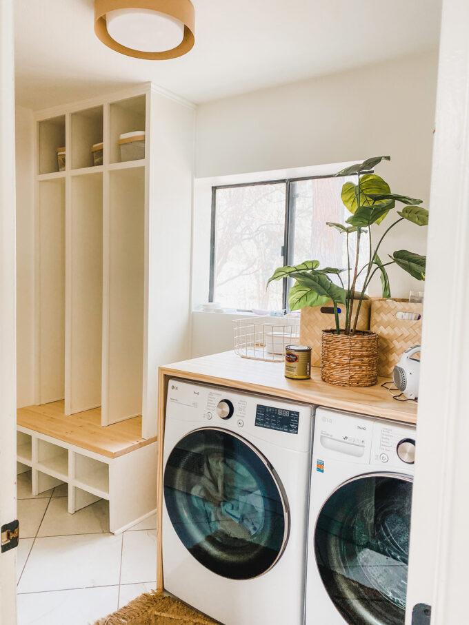 Laundry Room MakeoverLaundry Room Makeover