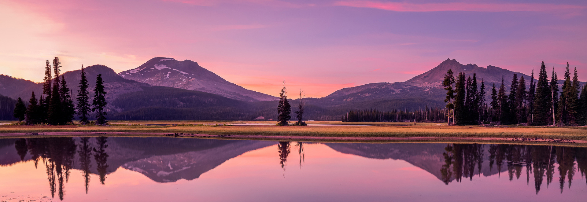 Image of the Oregon Cascade Mountain Range