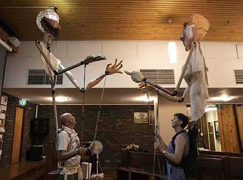 gigandes puppeteers