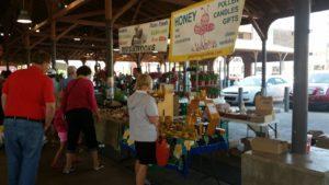 Tuesdays Eastern Market - Shoppers