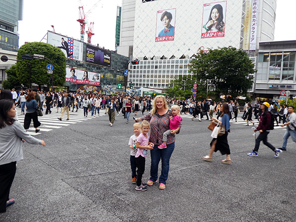 lost and found, Shibuya Scramble Crossing, Tokyo, Japan, Busiest crosswalk, Busiest Pedestrian Crossing in the world, diapers on a plane, diapersonaplane, travel with kids, traveling with kids, family travel, creating family memories, crossing the street