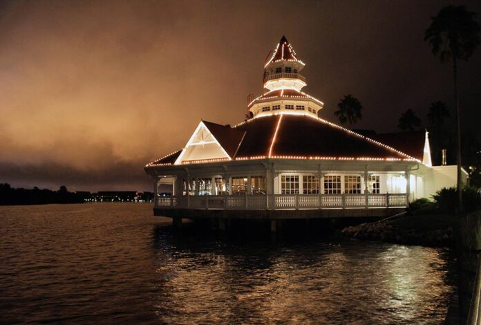 Narcoossee's, Grand Floridian, Signature Dining, Restaurants, Walt Disney World, Steak, Lobster, diapersonaplane, Diapers On A Plane, Creating family memories, traveling with kids,
