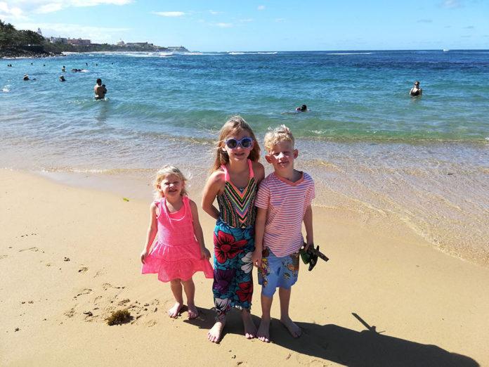 Balneario El Escambron Beach, family beach in san juan, puerto rico, traveling with kids, family travel