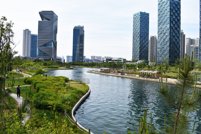 Central Park Songdo with Kids in Incheon, Korea