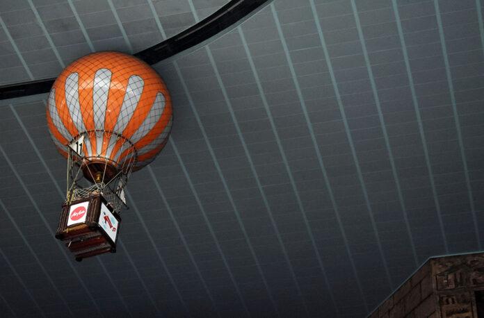 Hot Air Balloon Ride at Lotte World_