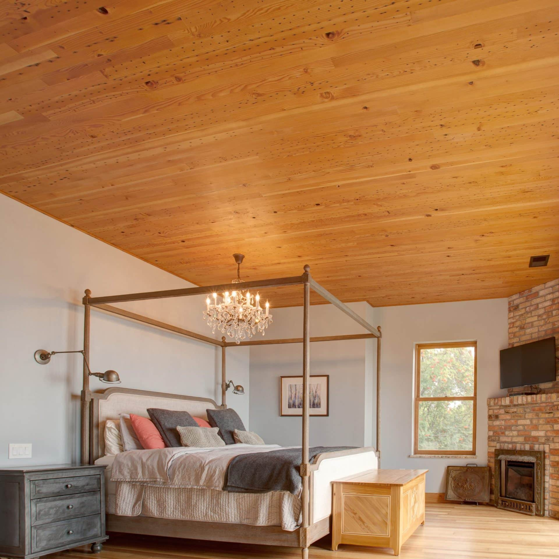 Southern Yellow Heart Pine Reclaimed Wood Bedroom