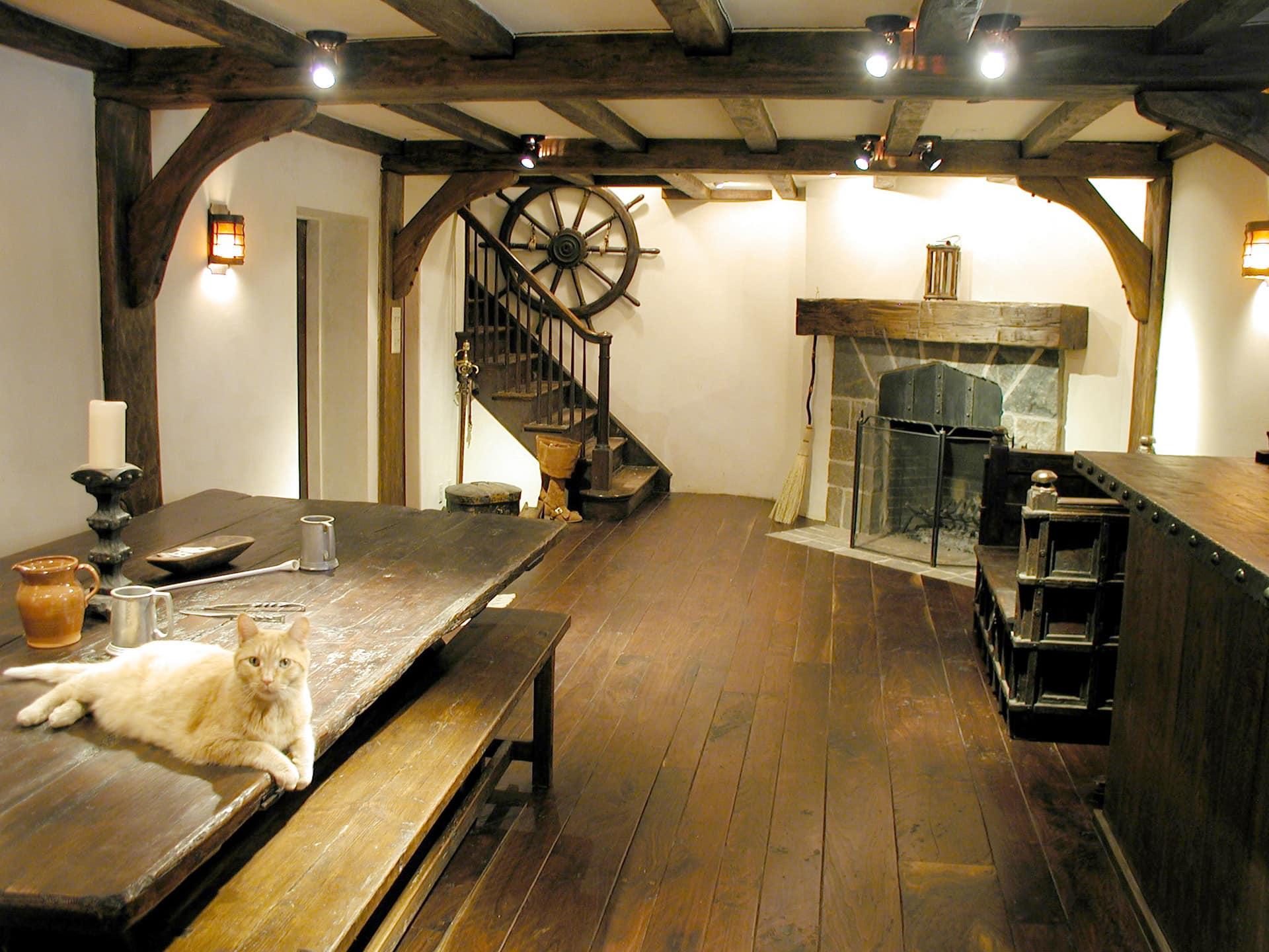 Dark antique hardwood floor by Manomin Resawn Timbers