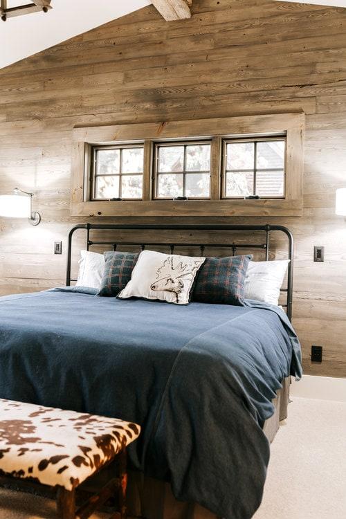 antique-ash-bedroom-paneling