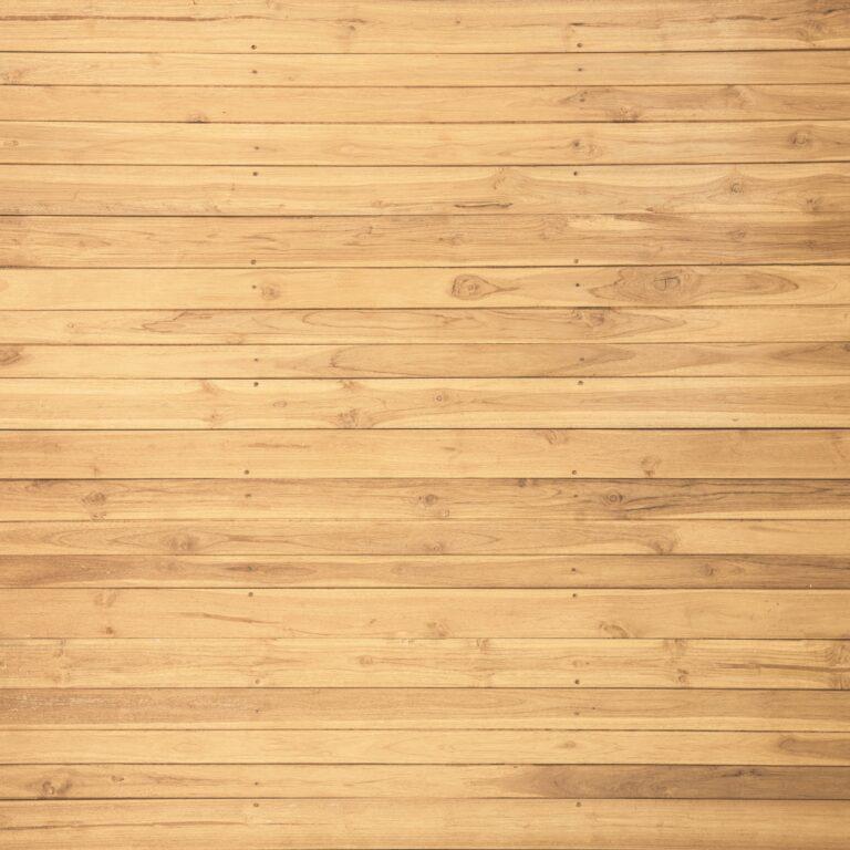 Wood pallet wall idea