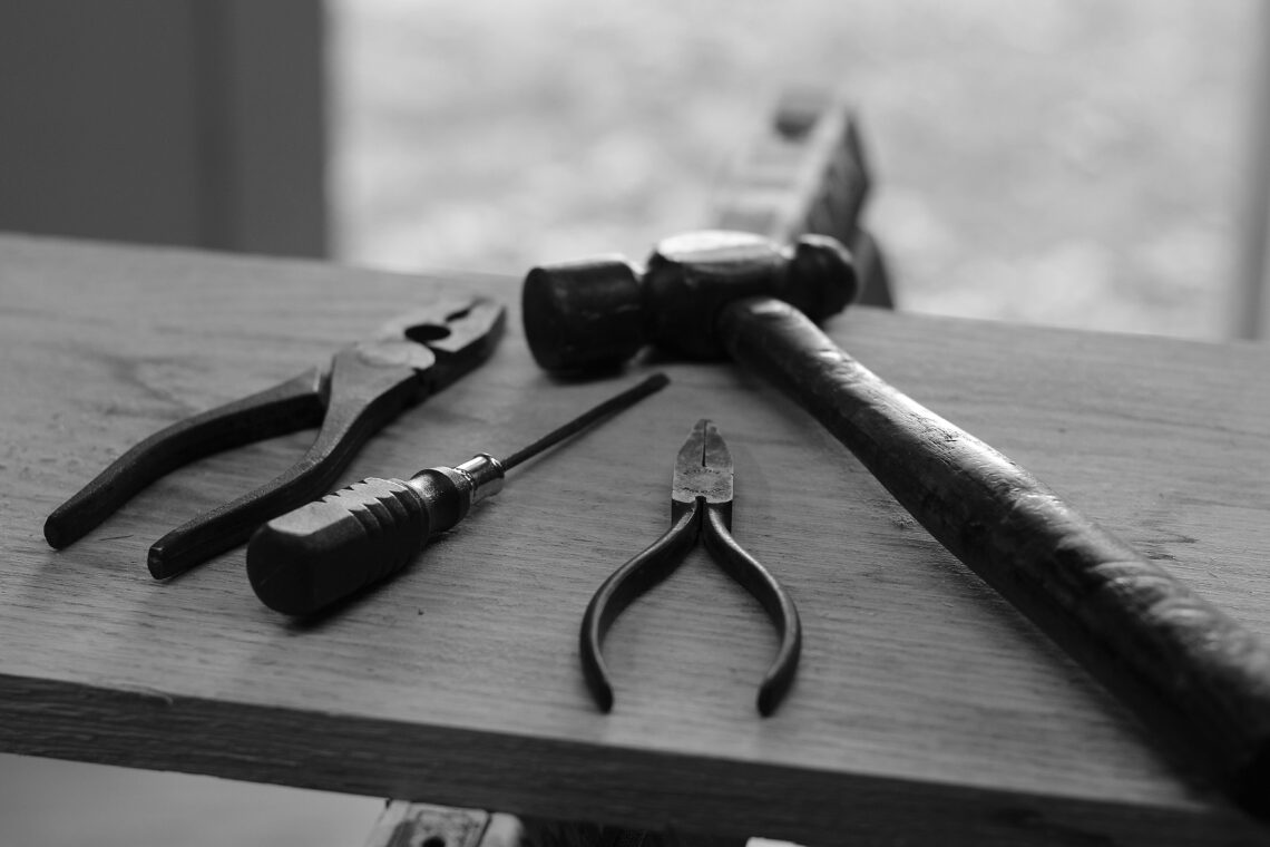woodworking tools for fixing split wood
