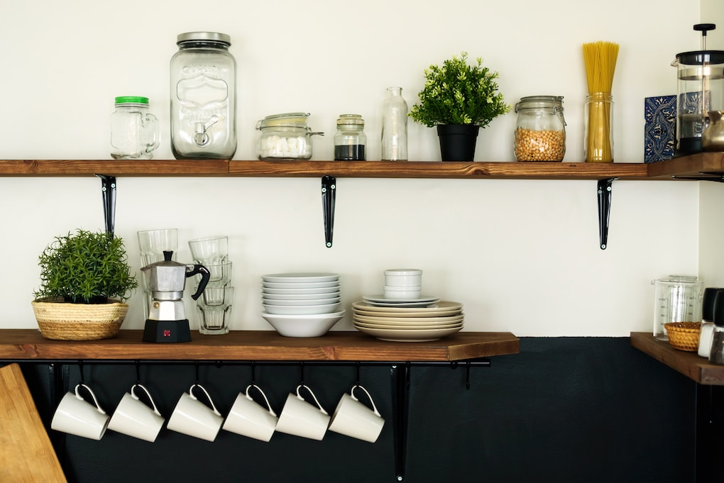 How To Incorporate & Install Reclaimed Wood Shelves In Your Home