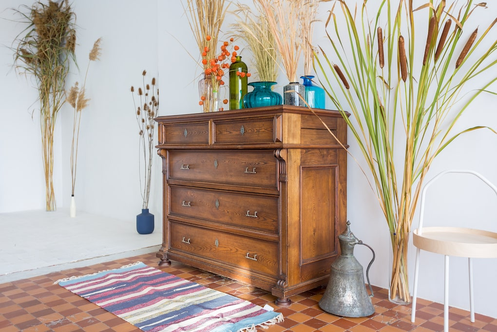 Where To Get Your Reclaimed Wood Dresser + Room Design Ideas