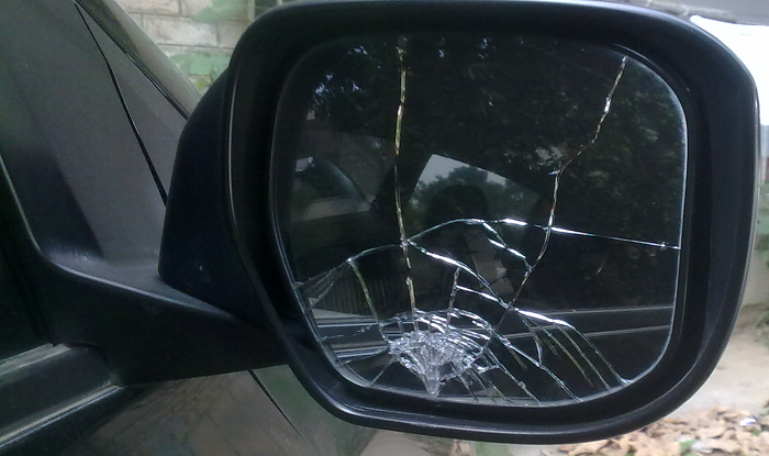 San Antonio Specialty Auto Glass Replacement Broken Mirror Sunroof