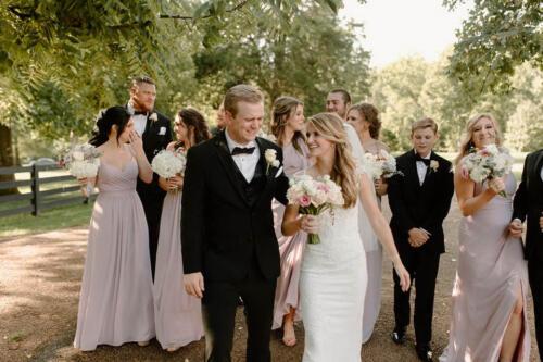 Belle Meade outdoor wedding party