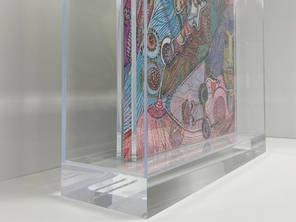 plexiglass boxes and wall cases