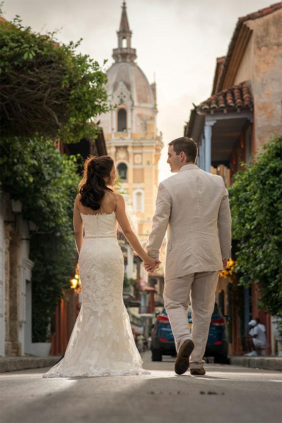 Cartagena Wedding posted on Hand-Painted Weddings. Photo credit: Pedraza Producciones