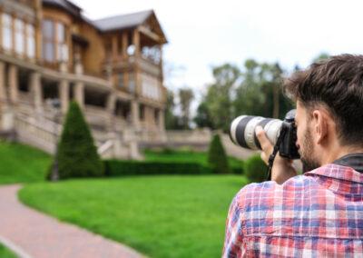 cameraman-taking-photos