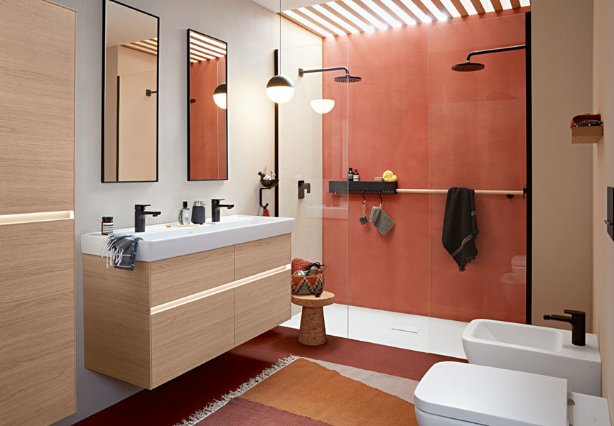 Bright Modern bathroom with classic terracotta accents