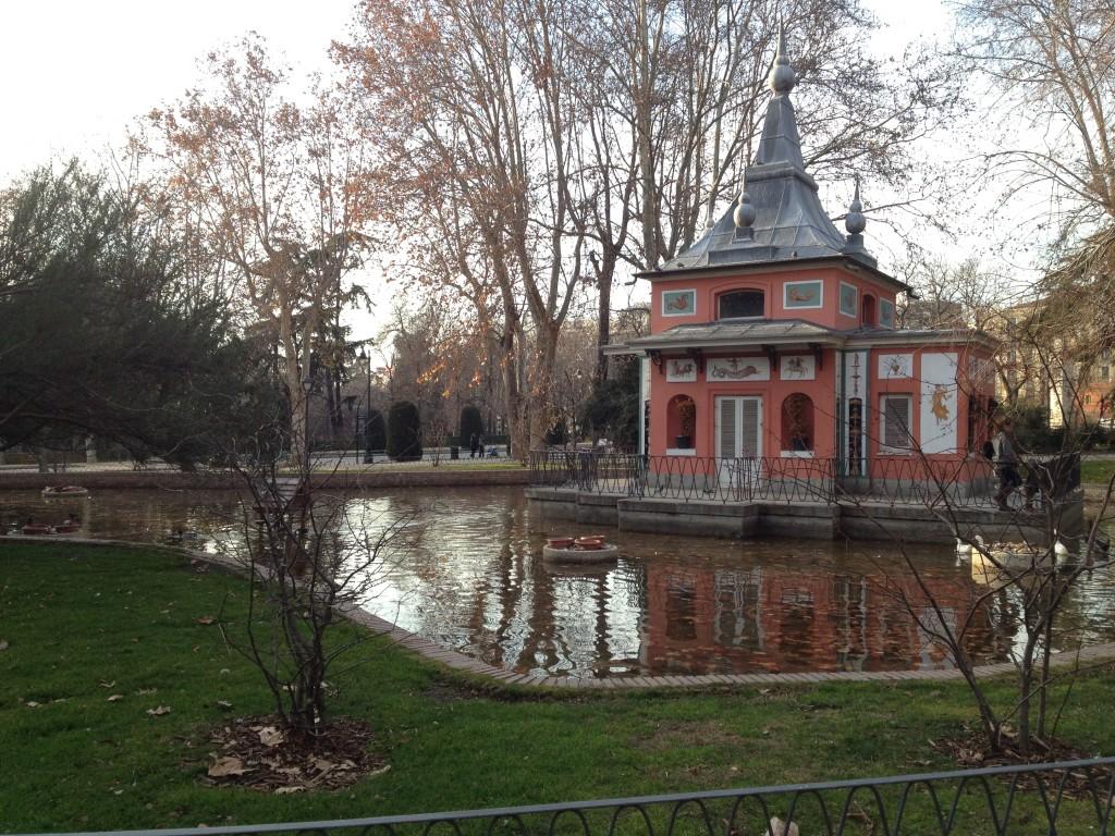 findings in el Parque del Buen Retiro, Madrid, Spain