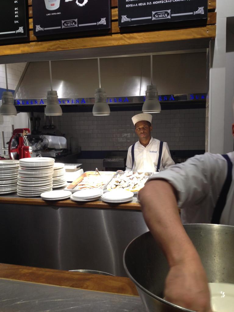 Open kitchen at Cervecería La Sureña, Madrid