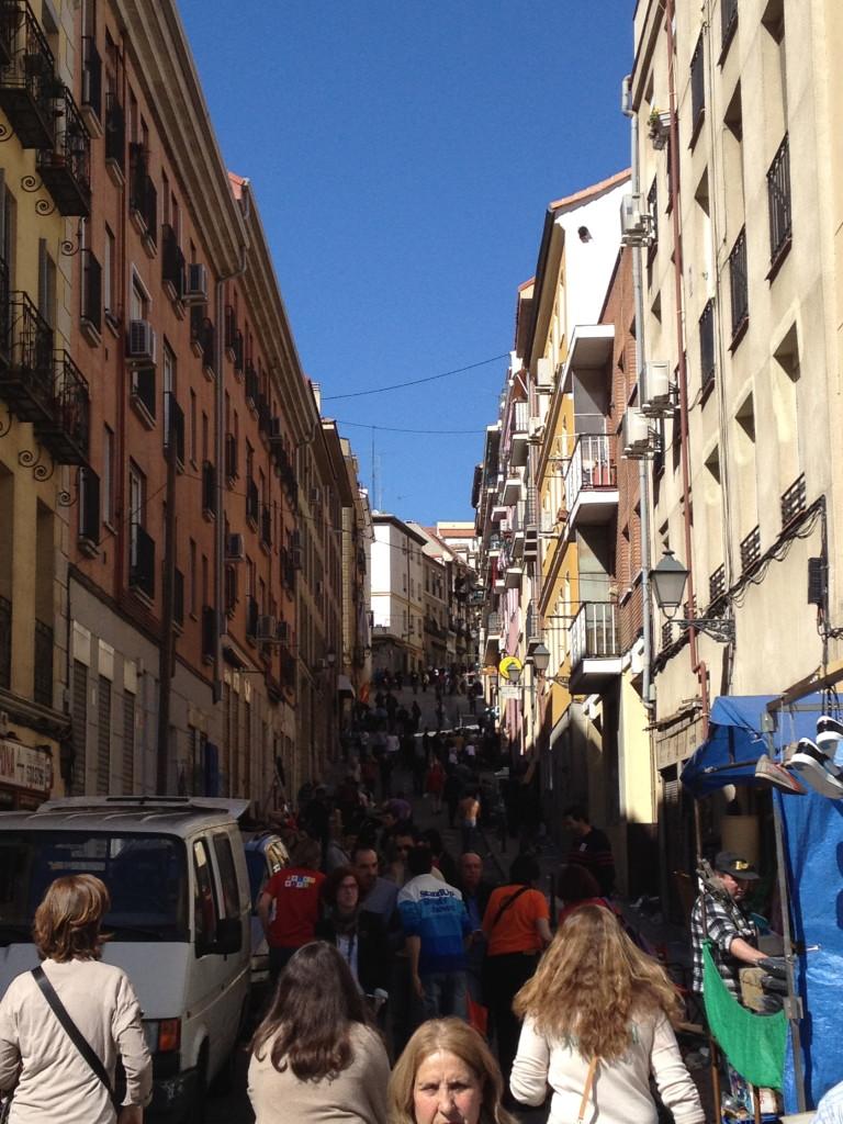 crowded side streets of el Rastro, Madrid