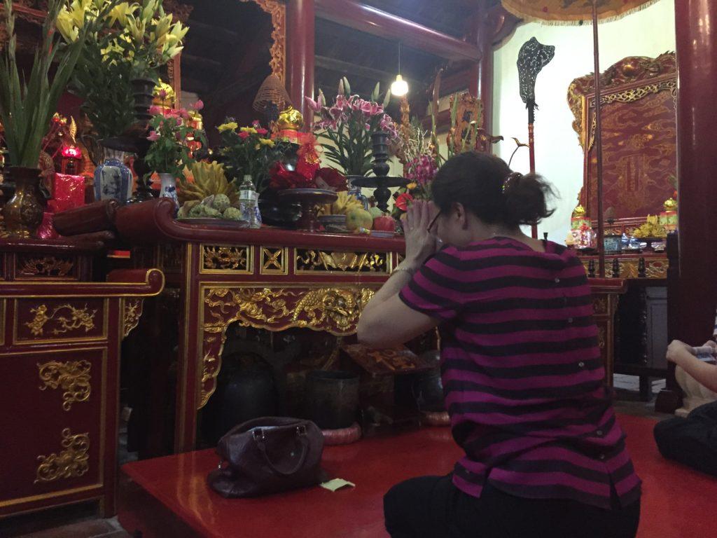 Prayer, Ngoc Son Temple, Hanoi, Vietnam