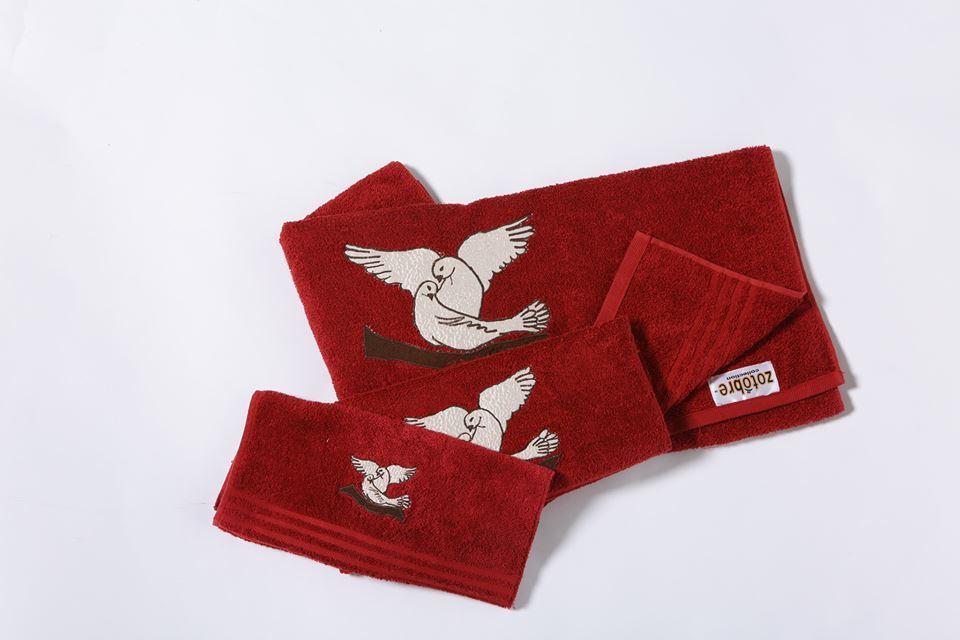 Decorative Romeo & Juliet Towel Set