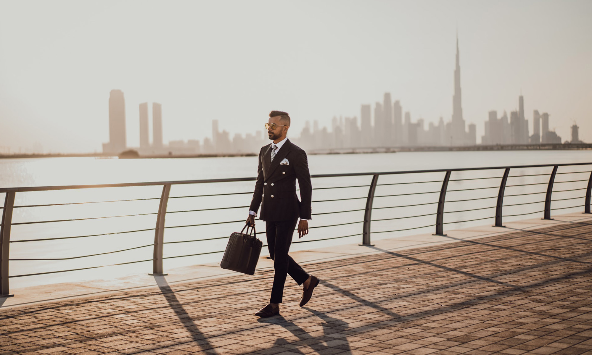 how to start an online business in dubai