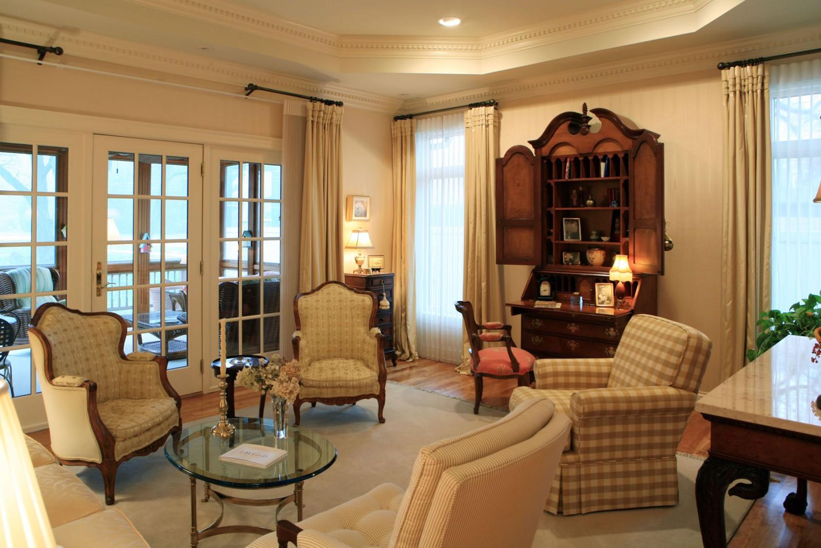 Interior design by Design Surroundings   Living Room