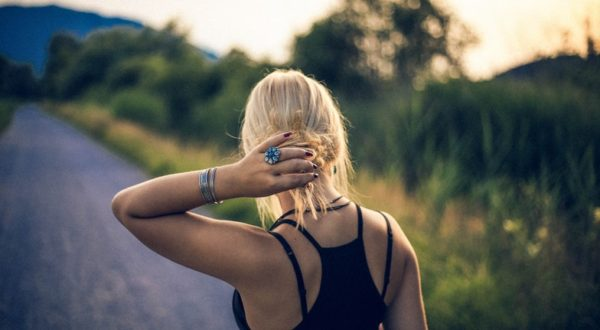 What It Feels Like To Be A Young Girl Without a Mom