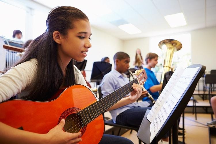 SWISS SCHOOLS FREE EDUCATIONAL GUIDANCE SERVICE