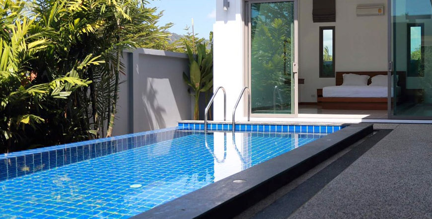 Since chlorine sanitizes the pool and prevents algae from growing, it is essential to keep chlorine levels in the desired range at all times. Call Florida Pool and Leak for help today.