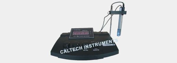 Table pH Meter
