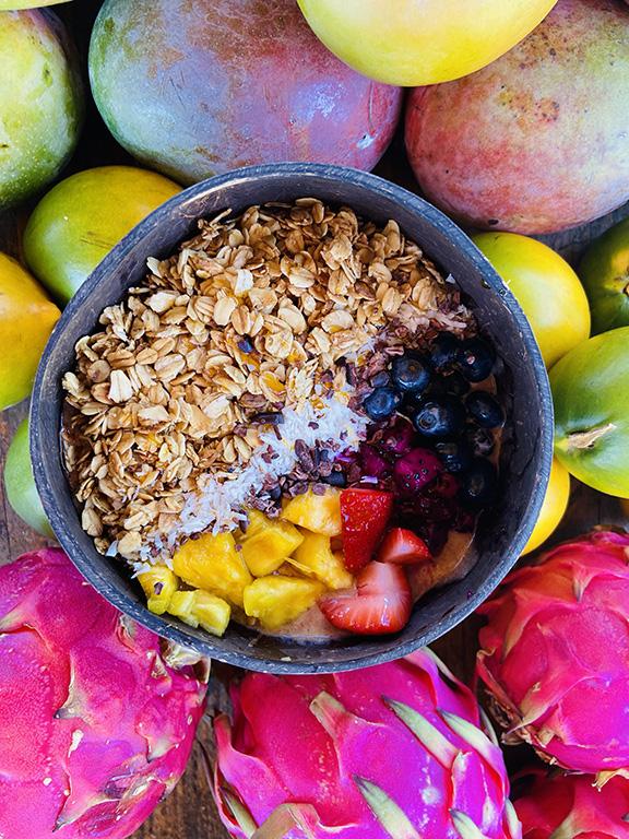 hawaii maui paia acai bowl fruit
