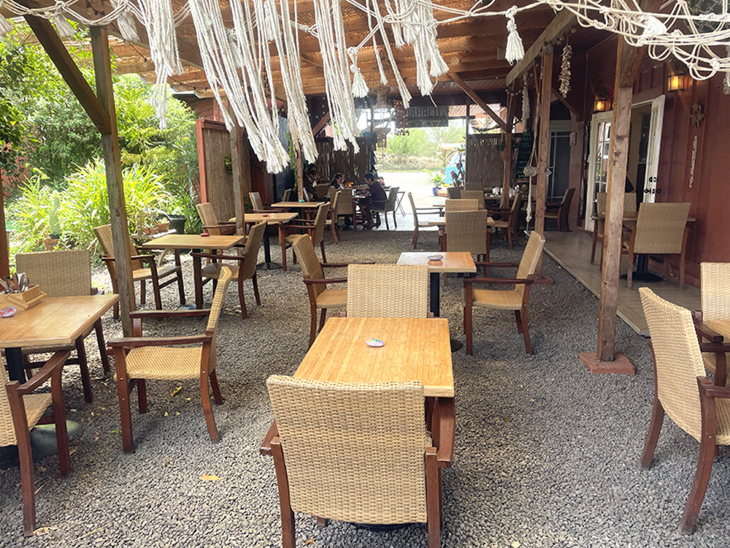 outdoor seating outside dining