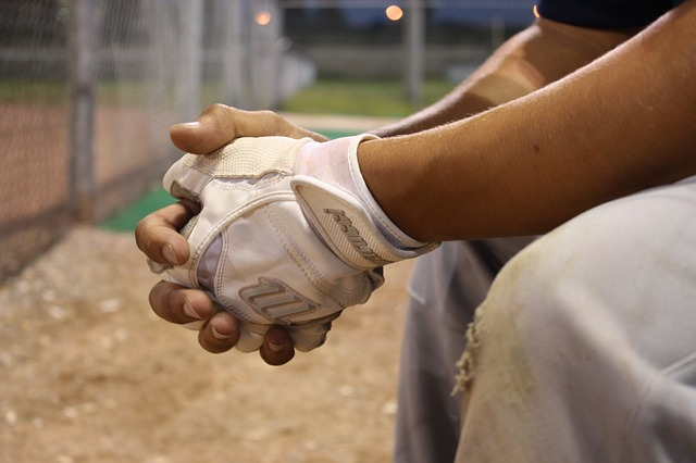 non-dominant hand, off hand, ambidextrous, cross dominance, left hand, right hand