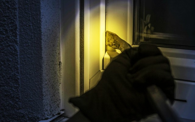 A Burglar Broke Into A House One Night - Funny Joke of the Day, Burglar Jokes, Funny Jokes, LOL