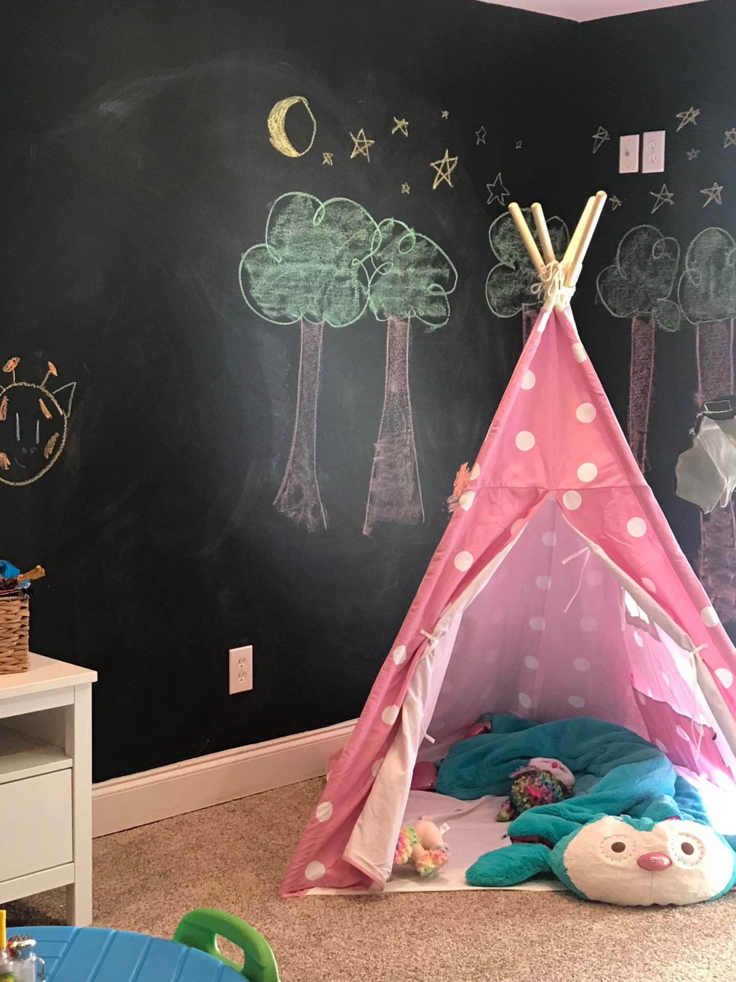 girls play tent