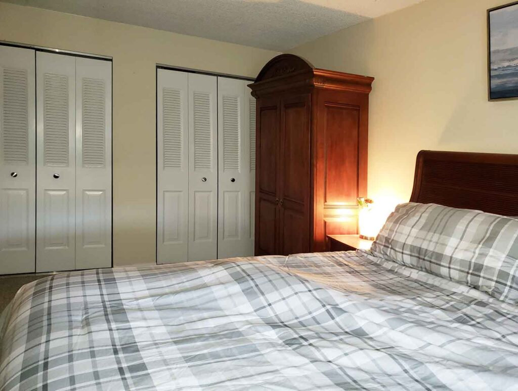 Bed Room with Nice closet Space