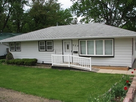 3 Bedroom Home For Rent in Independence Iowa