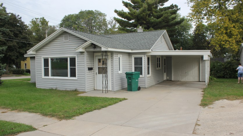 3 Bedroom Home For Rent - 50644