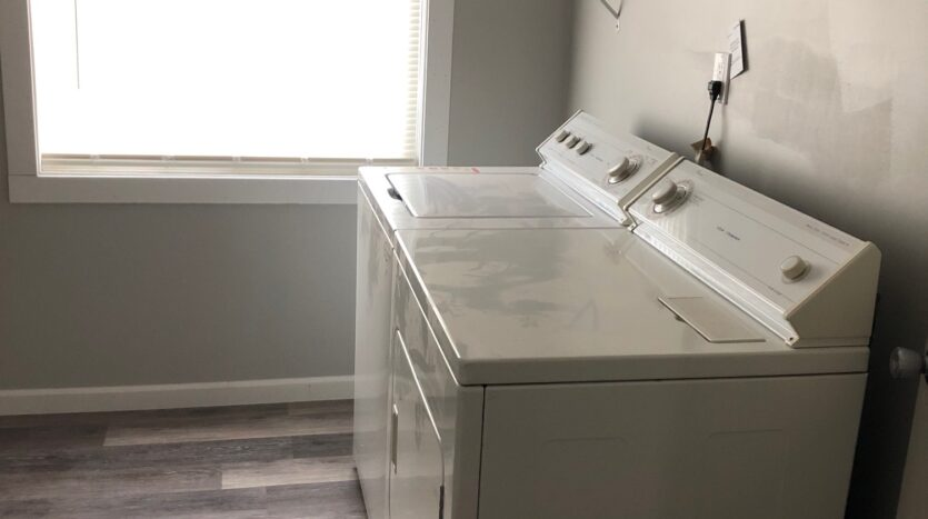 Laundry Room in Independence, Iowa Rental House
