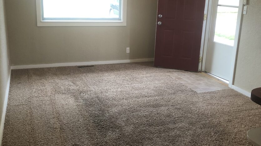 Living room of house for rent in Independence iowa