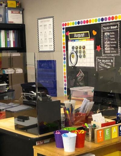 desk barrier for teachers