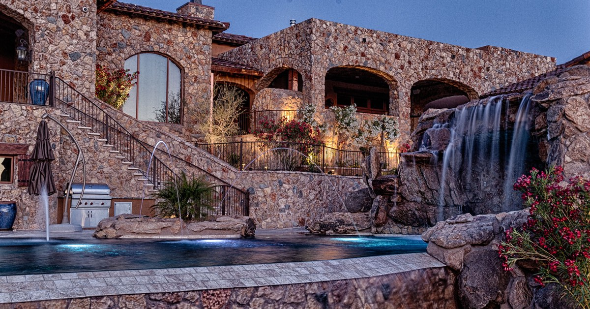 Chandler Pool Builder with Unmatched Custom Pool Designs