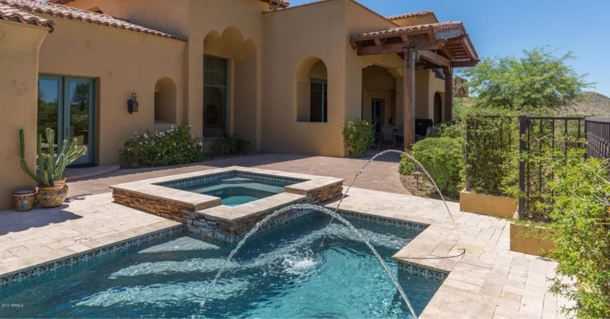 Live in Paradise Valley, AZ? Beat the Heat With Custom Pools