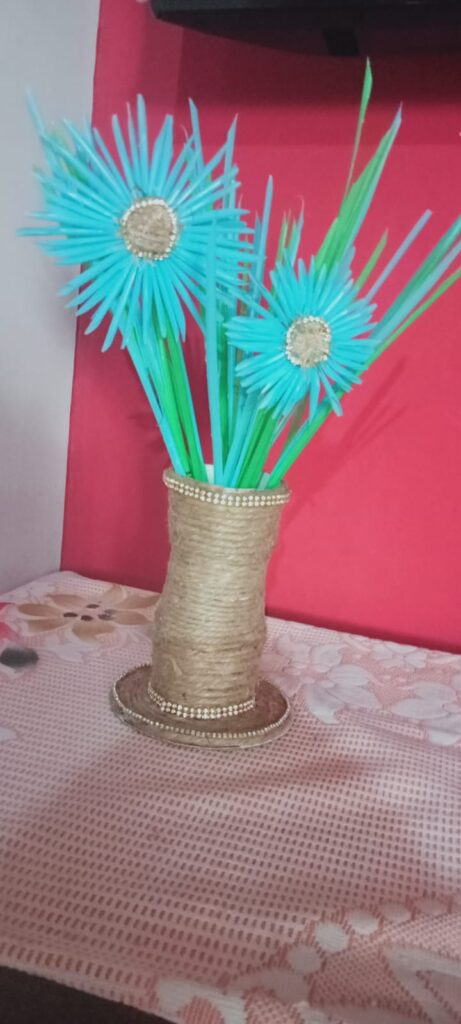 Flower Vase - Best out of Waste